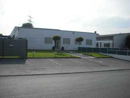 Gewerbehalle mit Verwaltungsgebäude