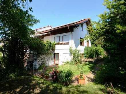 Gut geschnittene Doppelhaushälfte in sehr ruhiger und gefragter Lage von Filderstadt!
