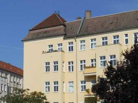 Friedrichshain: 3-Zimmer-Altbauwohnung - bezugsfrei