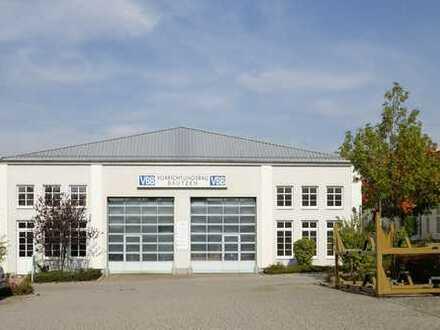 Herzlich Willkommen - Produktions-/ Servicehalle mit 2 Toren!