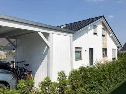 Hochwertige Doppelhaushälfte Haus 3 Zimmer in Zwickau, Oberplanitz, mit Stellplatz & Carport