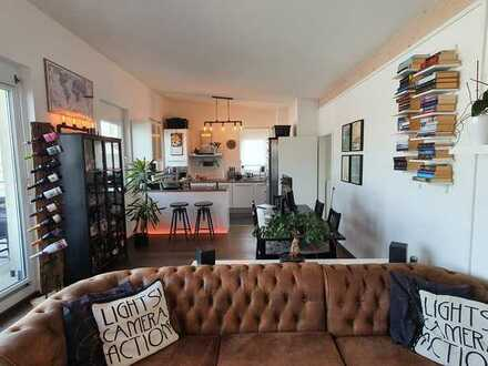 Helle, stylische Penthouse Wohnung mit großer Dachterrasse