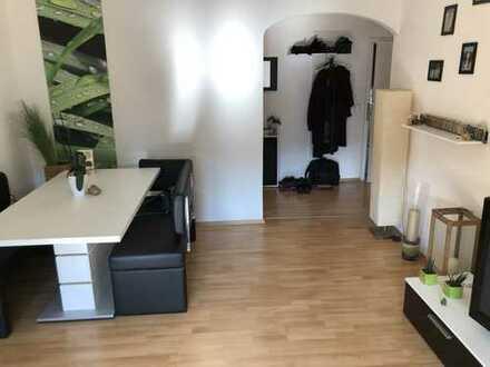 Stilvolle, gepflegte 3-Zimmer-Wohnung mit Balkon und Einbauküche in Stuttgart , Vaihinger Markt