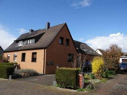 Mehrere Generationen unter einem Dach - Großzügige Doppelhaushälfte mit 2 getrennten Wohneinheiten