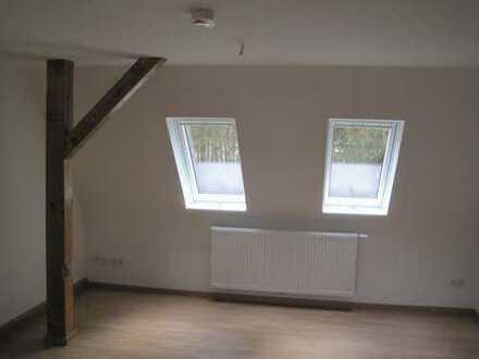 Gemütliche 2-Raum-Dachgeschoss-Wohnung