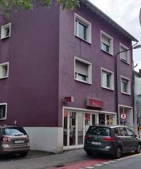 Attraktives Mehrfamilienhaus mit Baugrundstück für ein Zweifamilienhaus in Frankfurt Höchst