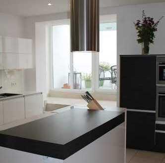Hochwertige fünf Zimmer Wohnung mit Dachterrasse in Neustadt an der Weinstraße, Kernstadt