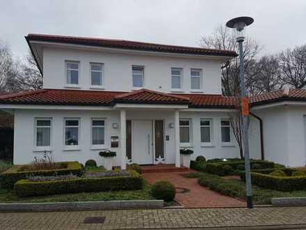 Italienische Stadtvilla mit sieben Zimmern in Wolfsburg/ Wendschott