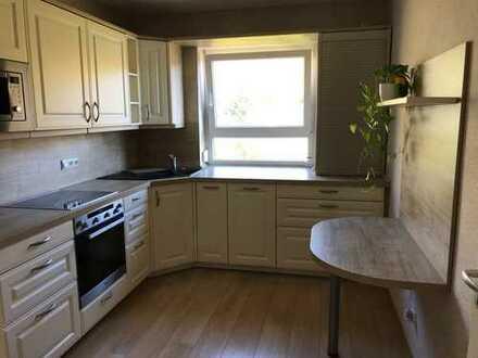 Modernisierte 3,5-Zimmer-Wohnung mit Balkon und Einbauküche in Ingelfingen