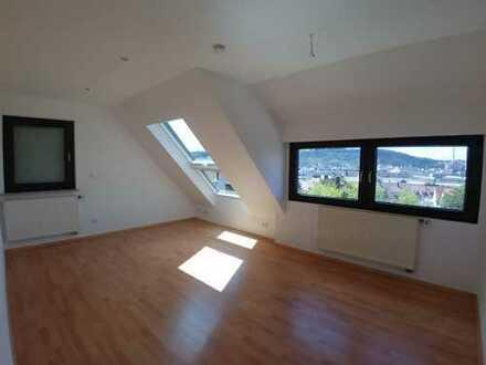 Modernisierte 3 Zimmer Dachgeschosswohnung