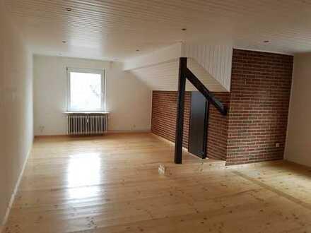 Helle 2-Zimmer-Wohnung mit Einbauküche in Uni-Nähe. WG-geeignet.