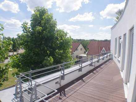 Außergewöhnliche 3 Zimmer-Wohnung mit Dachterrasse