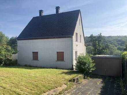 *PROVISIONSFREI* Sanierungsbedürftiges Wohnhaus in ruhiger Wohnlage von Hagen-Haspe
