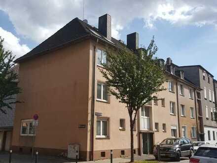 freies DG-Apartment sucht netten Mieter! Besichtigungstermin unter 01721776835 vereinbaren!