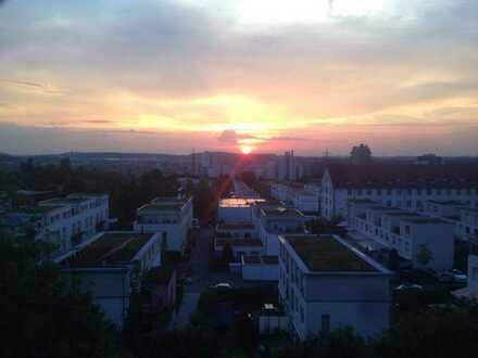 Exklusive 2-Zimmer-Dachgeschosswohnung mit Dachterasse in Stuttgart