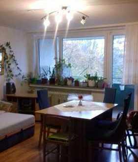 Schöne 1-Zimmer-in den 4 Stock Wohnung mit Balkon und Einbauküche in Hagen