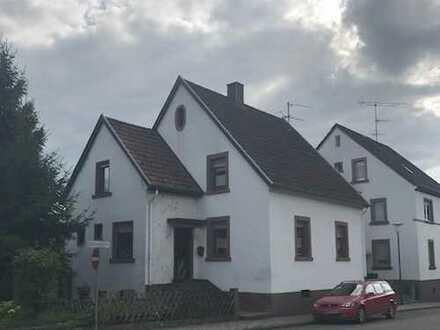 Schönes Einfamilienhaus in guter Lage von Waldfischbach-Burgalben