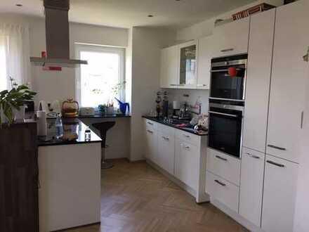 Exklusive 4-Zimmer-Wohnung mit 2 Balkonen , EBK und Top-Ausstattung in Ingolstadt