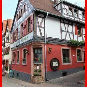 Traditionsreiches Gasthaus mit 3 Wohnungen
