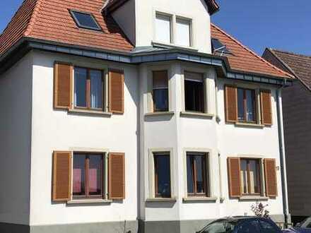 Modernisierte Wohnung mit vier Zimmern und Terasse in Graben-Neudorf OT Graben