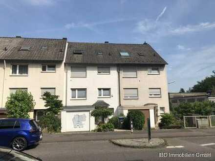 Hübsches, gepflegtes Reihenmittelhaus über 4 Wohnebenen in guter Lage Ostheim mit Garage
