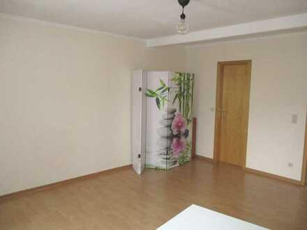 Gemütliche 1-Raum-Wohnung im Zentrum von Zschopau