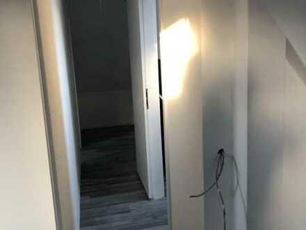 Erstbezug nach Sanierung mit Balkon: freundliche 5-Zimmer-Maisonette-Wohnung in Bruchsal