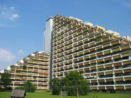 Charmantes 1-Zimmer-Apartment mit Balkon und traumhaftem Blick in Bogenhausen!