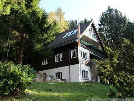 Provisionsfrei! Einfamilienhaus auf parkähnlichem Grundstück sowie zusätzl. unbebautes Grundstück