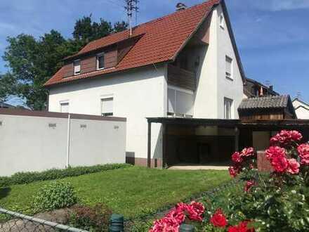 Kleines Zweifamilienhaus zu verkaufen