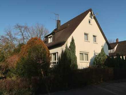 Freistehendes, ansprechendes EFH in Eislingen mit schönem Garten !! Ruhige ebene Stadtrandlage!