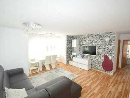 Wunderschöne 2 Zimmer-Wohnung mit herrlichem Balkon zum Verlieben !!!