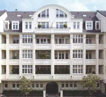 Df.-Oberkassel: Stilvolle 5-Raum-Wohnung mit Terrasse und Einbauküche
