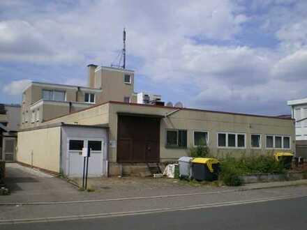 Bürogebäude mit Wohnung und Gewerbehalle