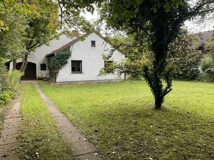 Kleines süßes Haus in Top Lage mit großem Garten