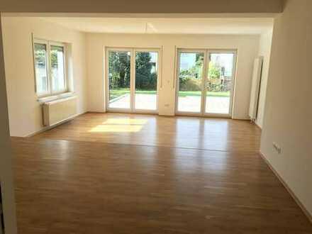Wohnen wie im eigenen Haus: 3 ZKB*EBK*16 qm Terrasse*Gartenmitbenutzung*opt. Garage *ruhige Lage