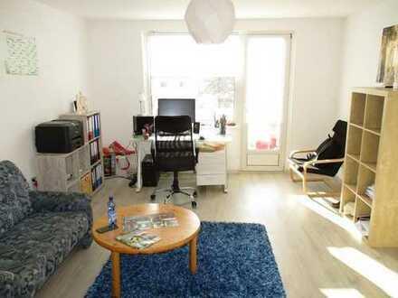 Saniert 2018 - In zentraler, ruhiger Lage: 2-Zimmer-Wohnung mit Balkon!