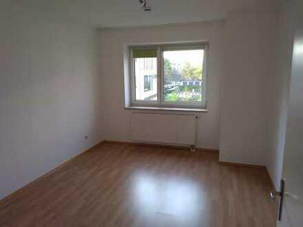 Schöne 3-Zimmer-Wohnung in zentraler Lage mit Balkon