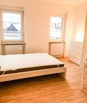 Directly at the ECB : 1 room in 3 room-flat: could be furnished & equipped Altbau-flat with kitchen