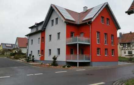 Modernes Mehrfamilienhaus zur Fertigstellung