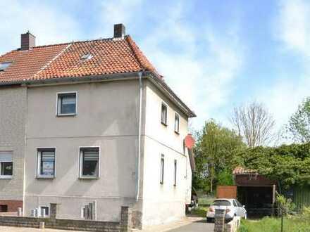Renovierte Doppelhaushälfte am Ortsrand von Eschershausen!