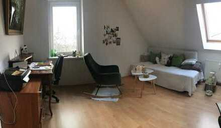 Schöne 2-Zimmer-DG-Wohnung mit EBK in Eisenhüttenstadt