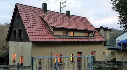 +++Schönes Einfamilienhaus mit Garten und Parkdeck in Aussichtslage zu verkaufen! +++