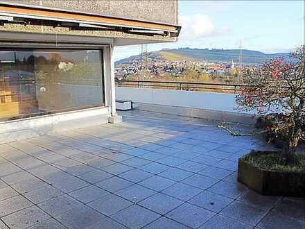 Wohnen im Penthouse - mit riesiger Dachterrasse und toller Aussicht! Befristet auf 2 Jahre!