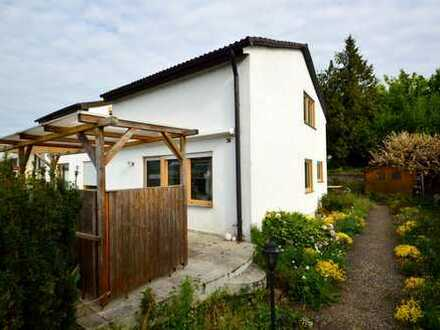 Großzügiges Einfamilienhaus mit Garten in Aussichtslage !!!