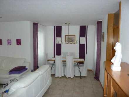 ***Ideal für Paare*** Ruhige 3,5 Zimmer-Wohnung im 1.OG eines Mehrfamilienhauses in Holzgerlingen
