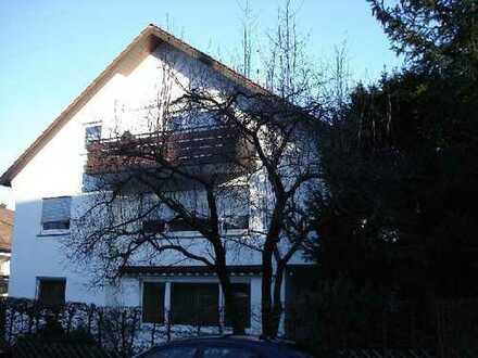 Gepflegte 4-Zimmer-Wohnung mit Balkon und EBK in Leinfelden