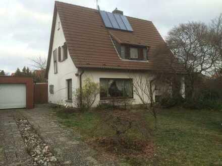 EFH, 1016 m² Grundstück, Bestlage mit Terrasse, Balkon, Garage, Stellplätze und Garten BEBAUBAR