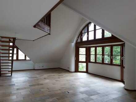 Ruhige 5-Zimmer Dachterrassen-Wohnung in Traumlage am Westpark im Maisonette Stil