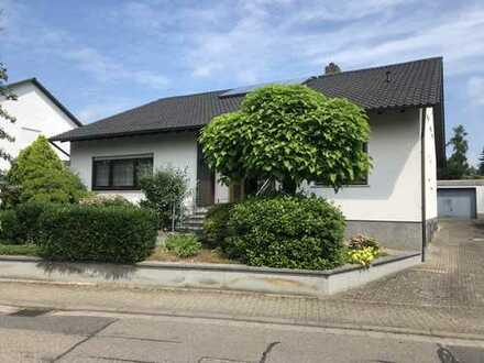 Schönes Haus mit acht Zimmern in Kandel , Pfalz